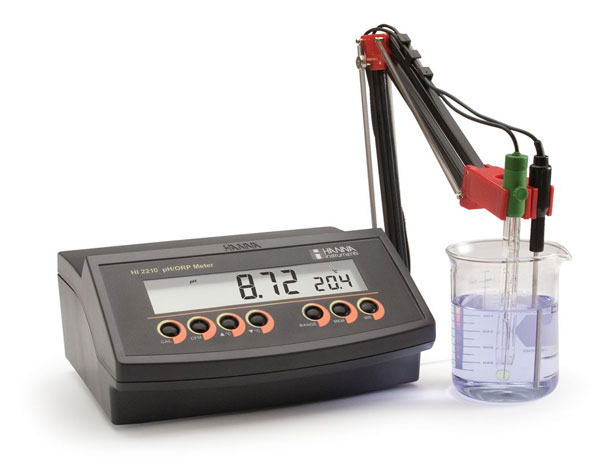 pH meter แบบตั้งโต๊ะ HI2210